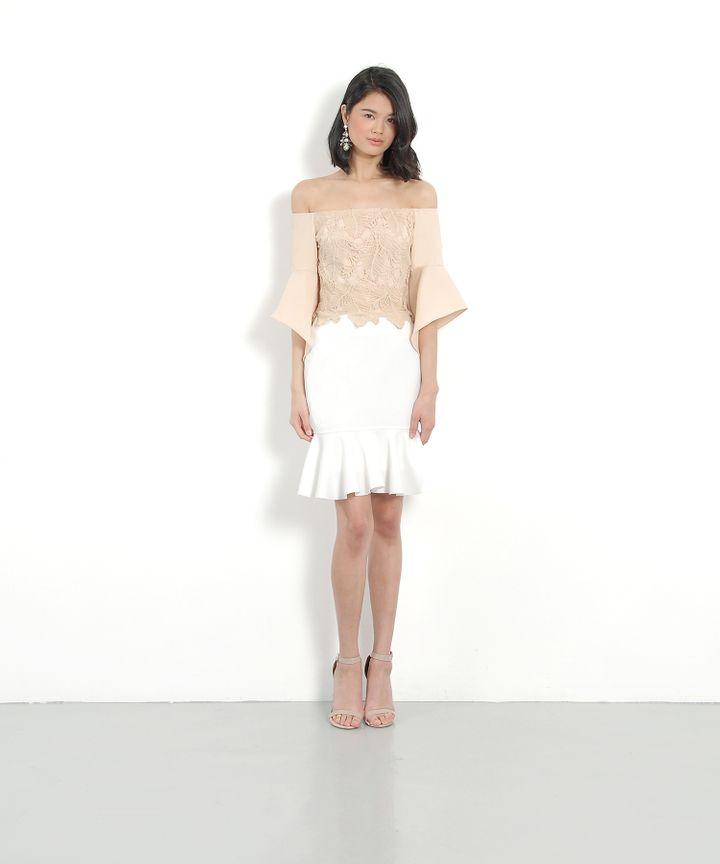 Anatasia Off-Shoulder Blouse - Nude