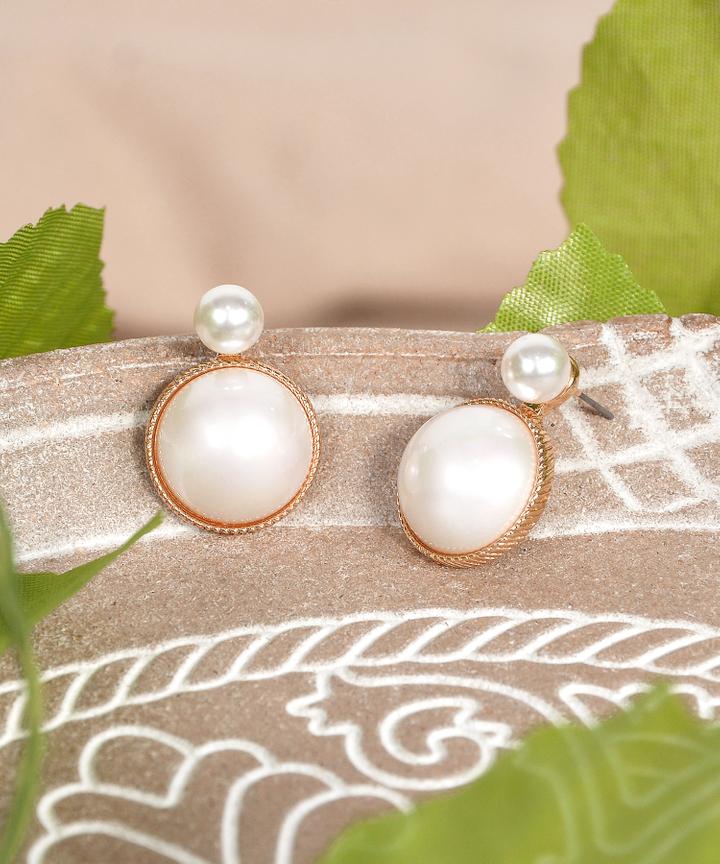 Marilyn Pearl Earrings