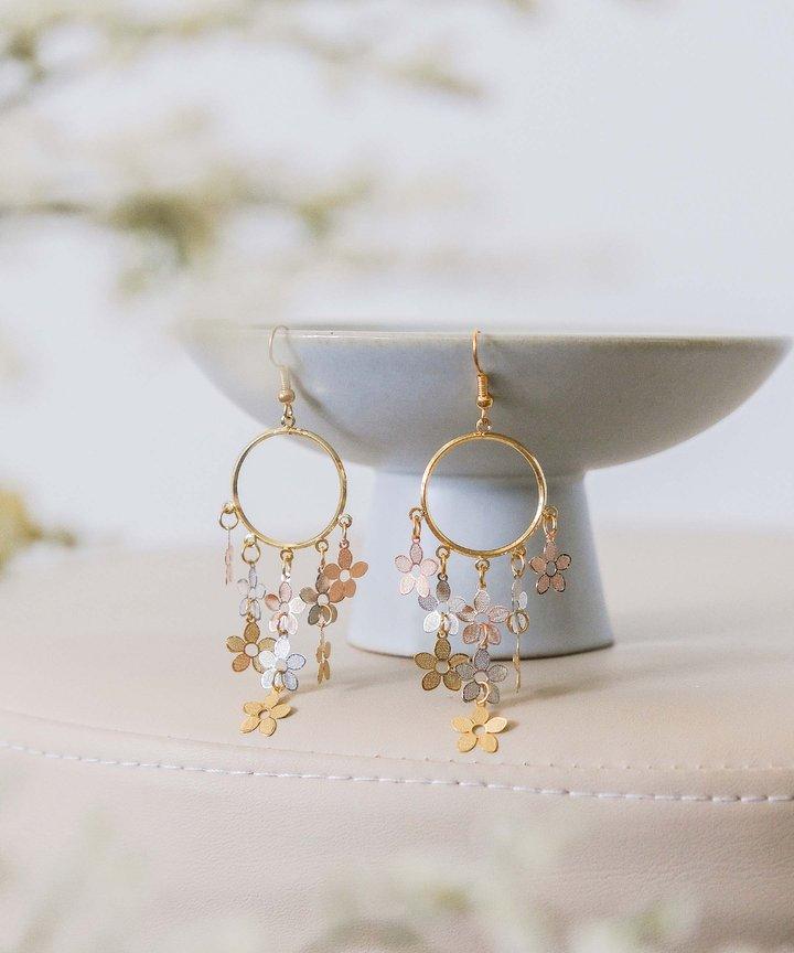 Pollen Cluster Drop Earrings