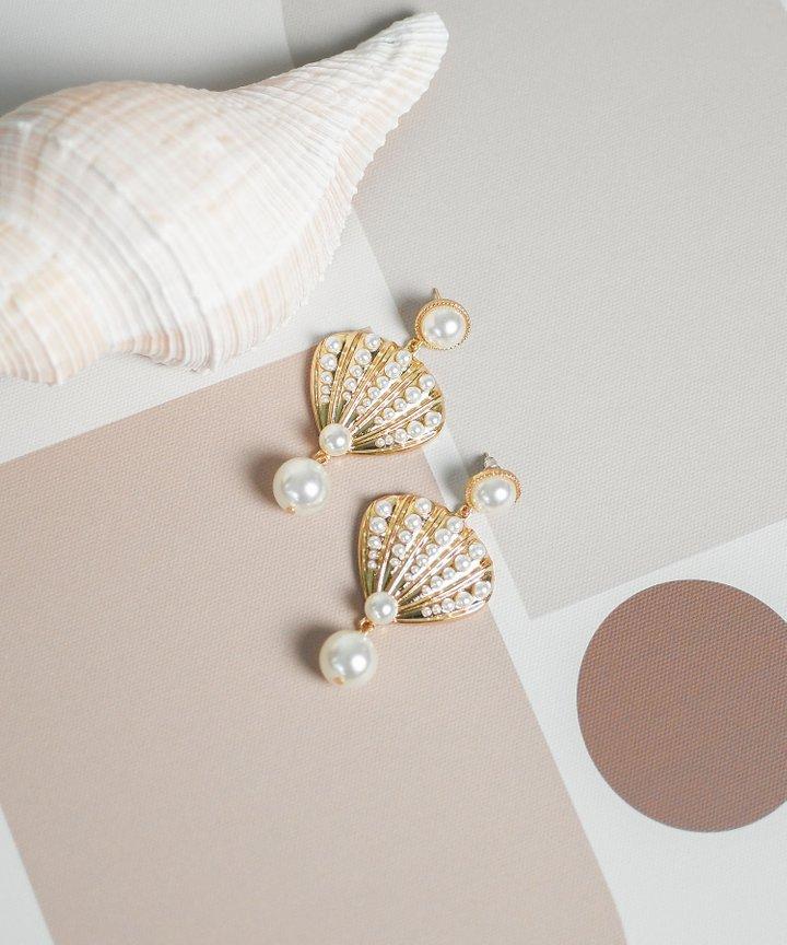 Laurel Seashell Pearl Earrings