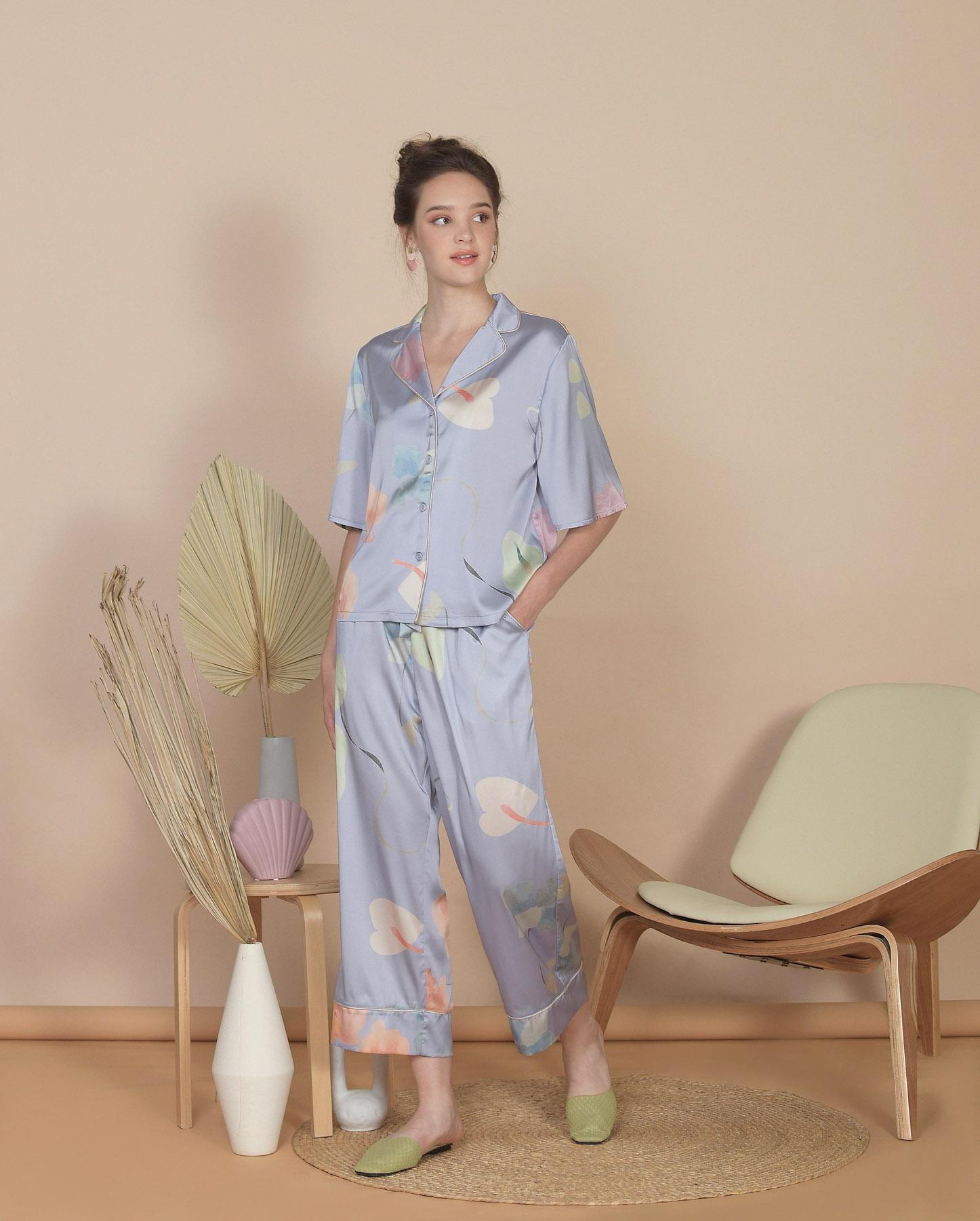 bellflower-cropped-pants-hydrangea-blue-1