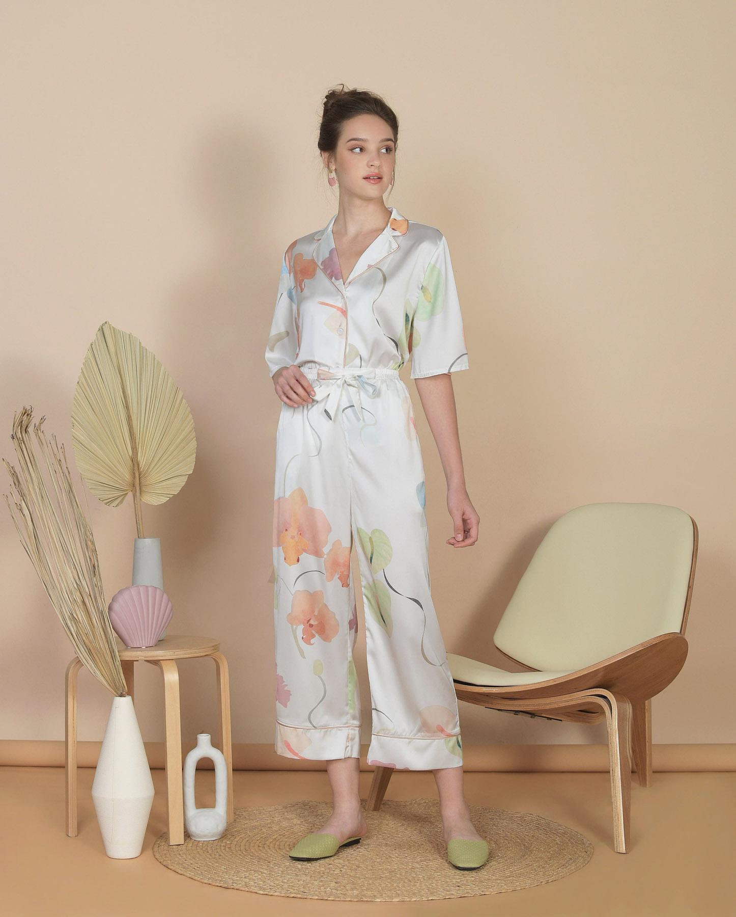 bellflower-cropped-pants-white-1