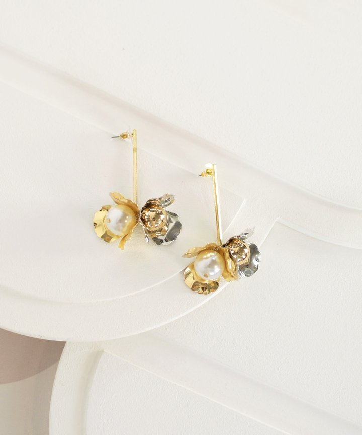 Ilona Floral Drop Earrings