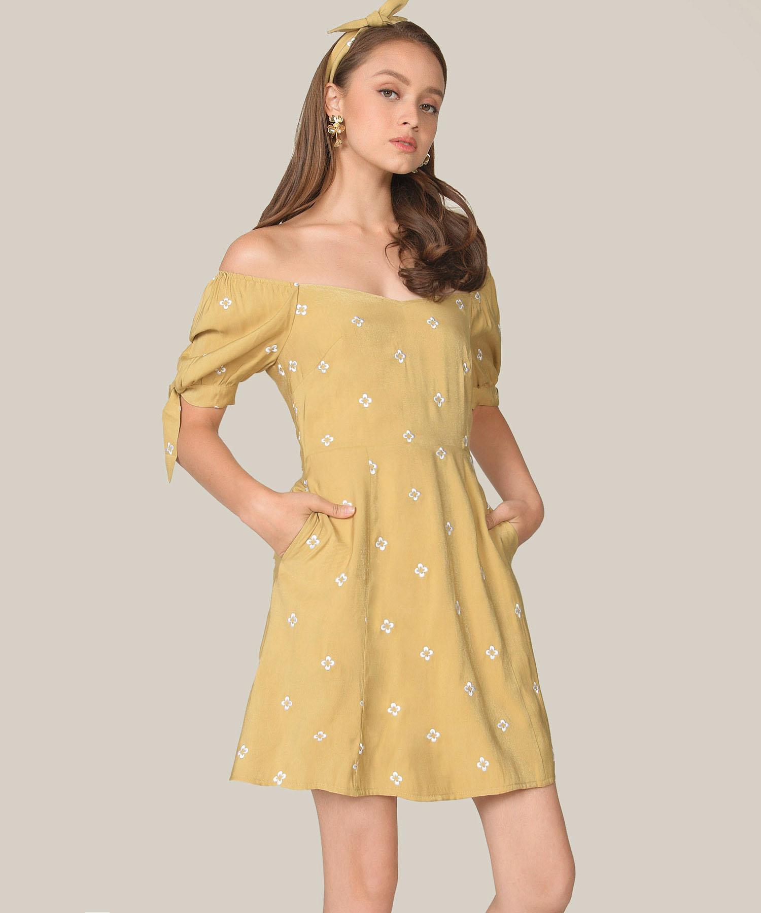 memento-embroidered-dress-olivette-1