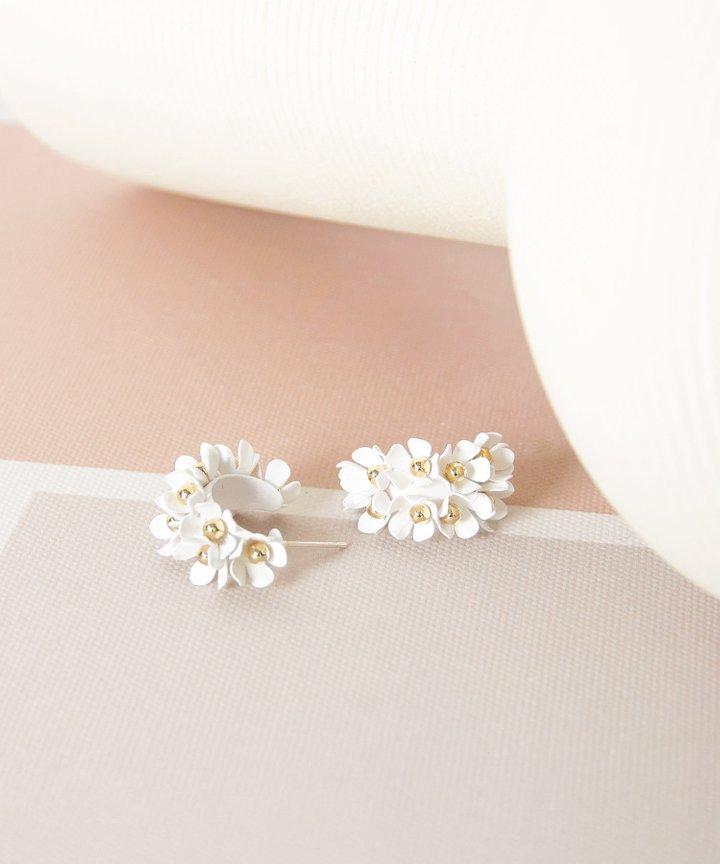 Wallflower Floral Earrings - White (Restock)