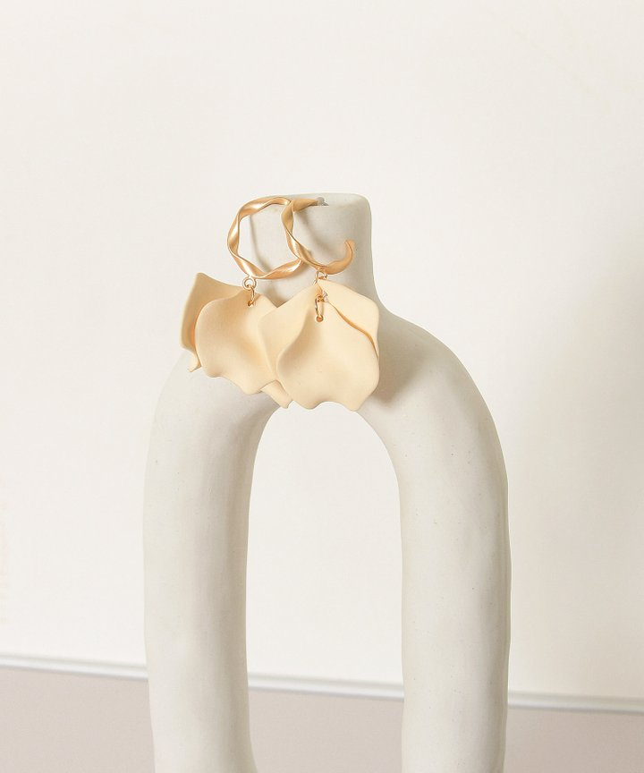 Vassar Petal Earrings - Cream (Restock)