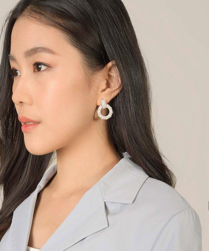 Maisie Pearl Circle Earrings