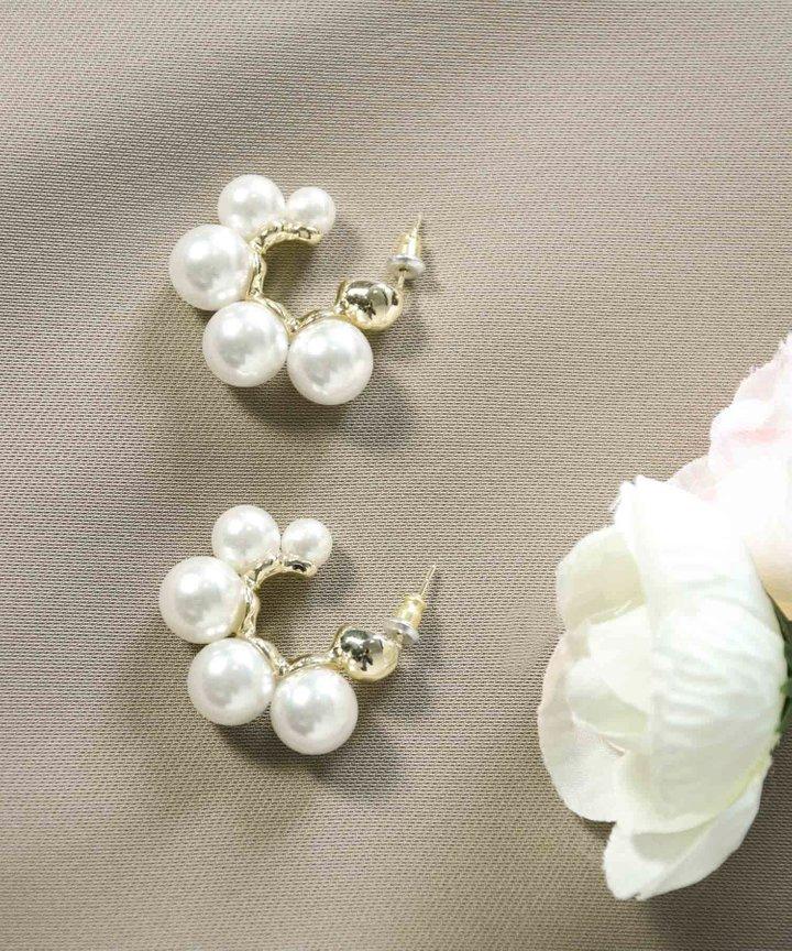Solana Pearl Hoop Earrings