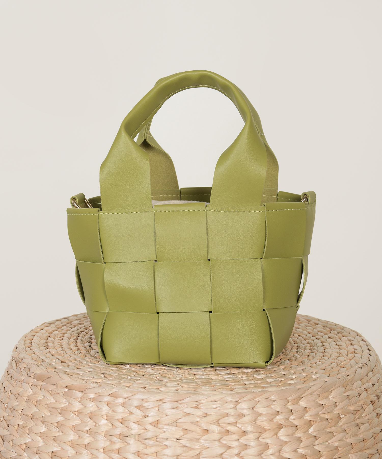 candor-woven-bucket-bag-kiwi-1