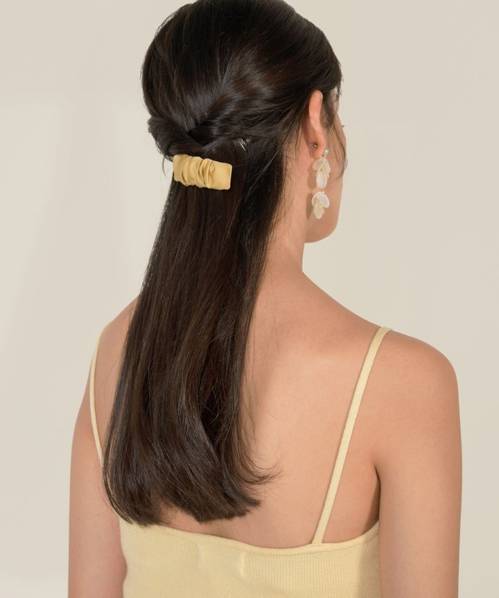 Alda Ruched Hairclip - Mellow Yellow
