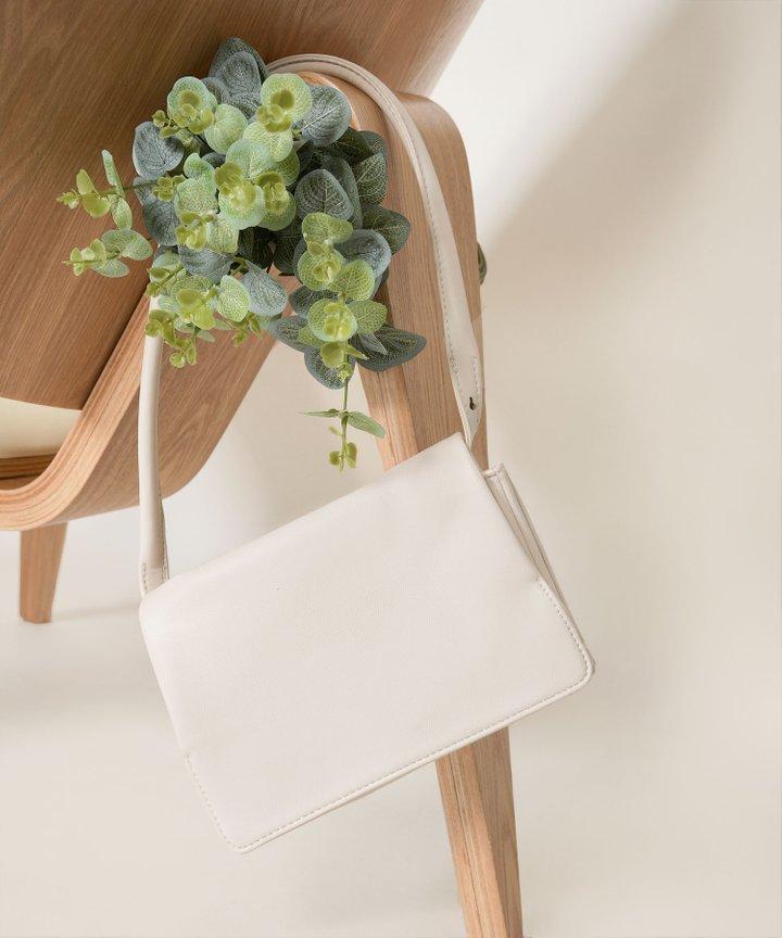Dilly Dally Foldover Bag - White Pebble