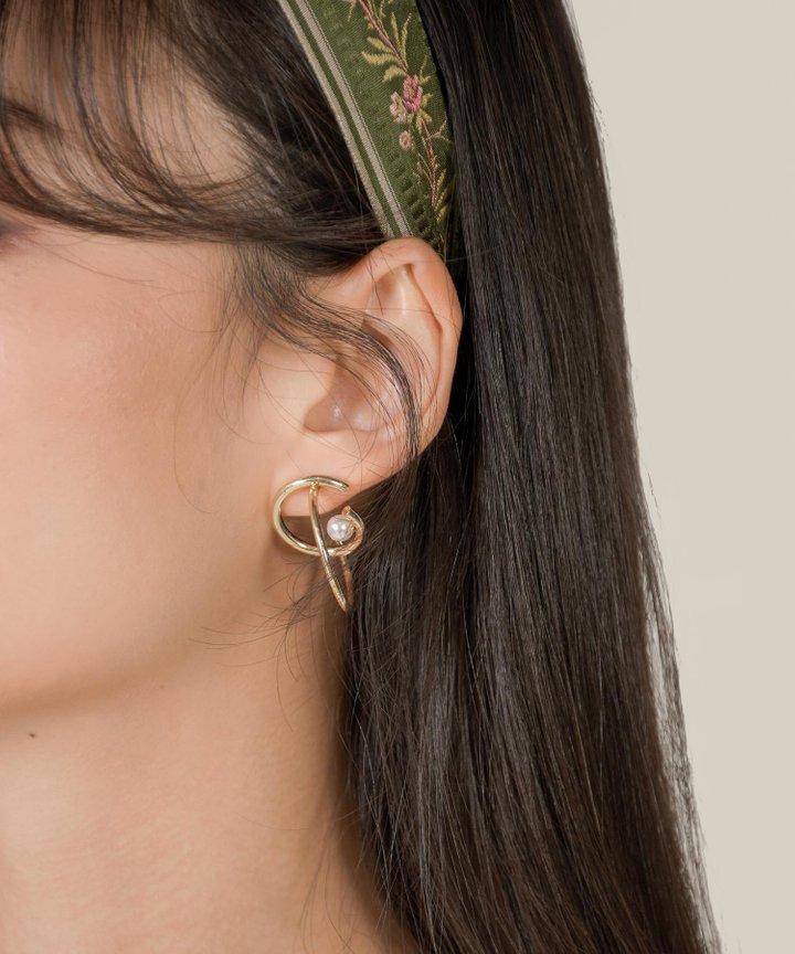 Oiseau Hoop Pearl Earrings
