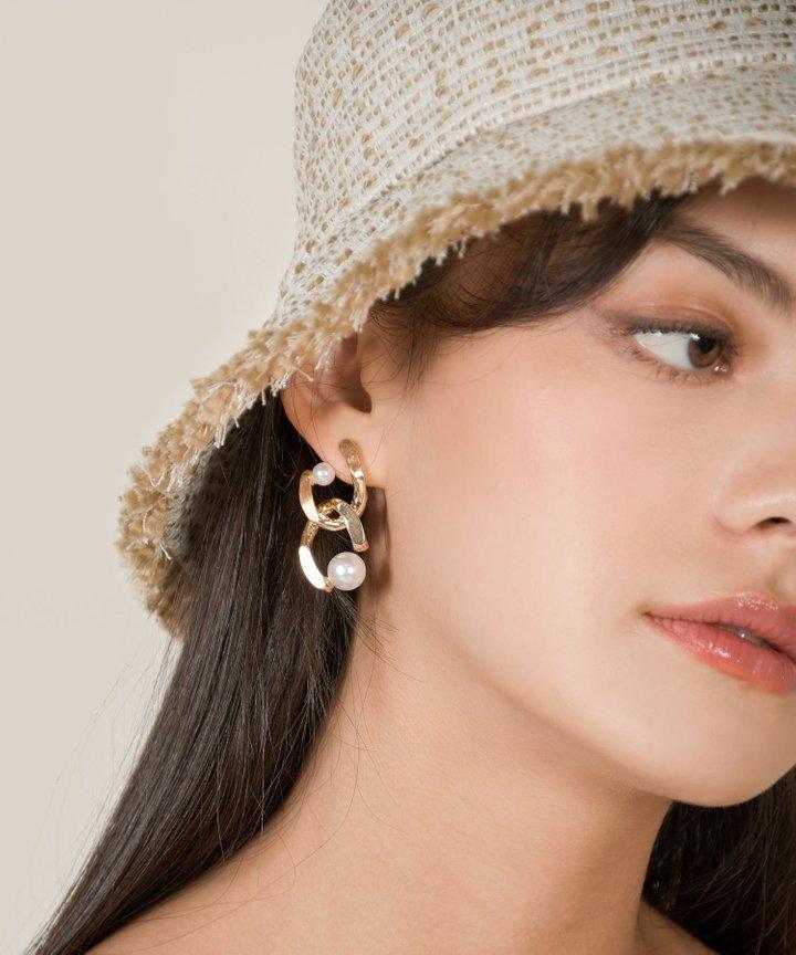 Petra Pearl Chain Earrings