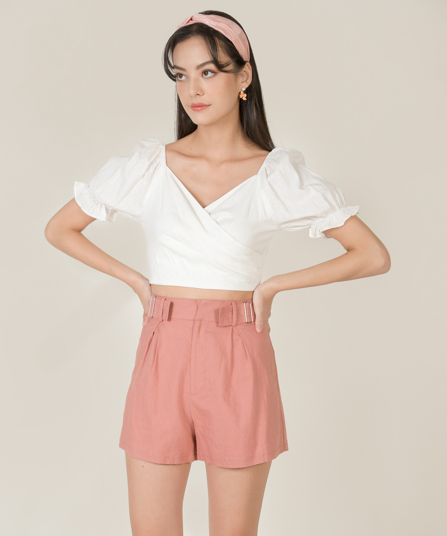 Viola linen buckle shorts in rose pink colour