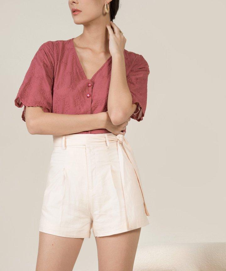 Lilley Linen Belted Shorts - Ecru