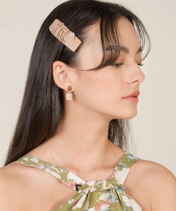 Ysanne Pendant Drop Earrings